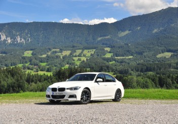 BMW 330e iPerformance - 38
