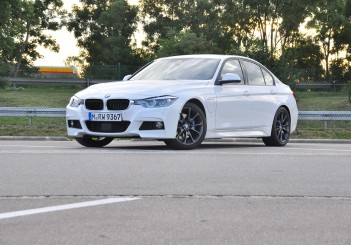 BMW 330e iPerformance - 40