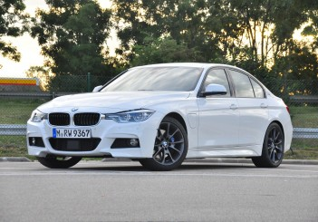 BMW 330e iPerformance - 42
