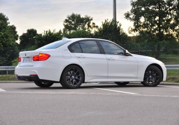 BMW 330e iPerformance - 52