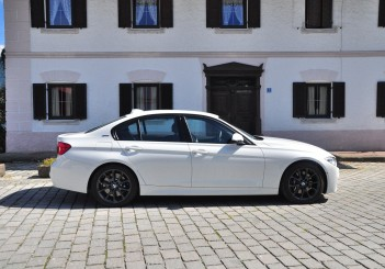 BMW 330e iPerformance - 53
