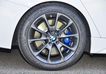 BMW 330e iPerformance - 56