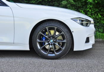 BMW 330e iPerformance - 57