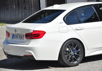 BMW 330e iPerformance - 63