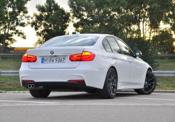 BMW 330e iPerformance - 81