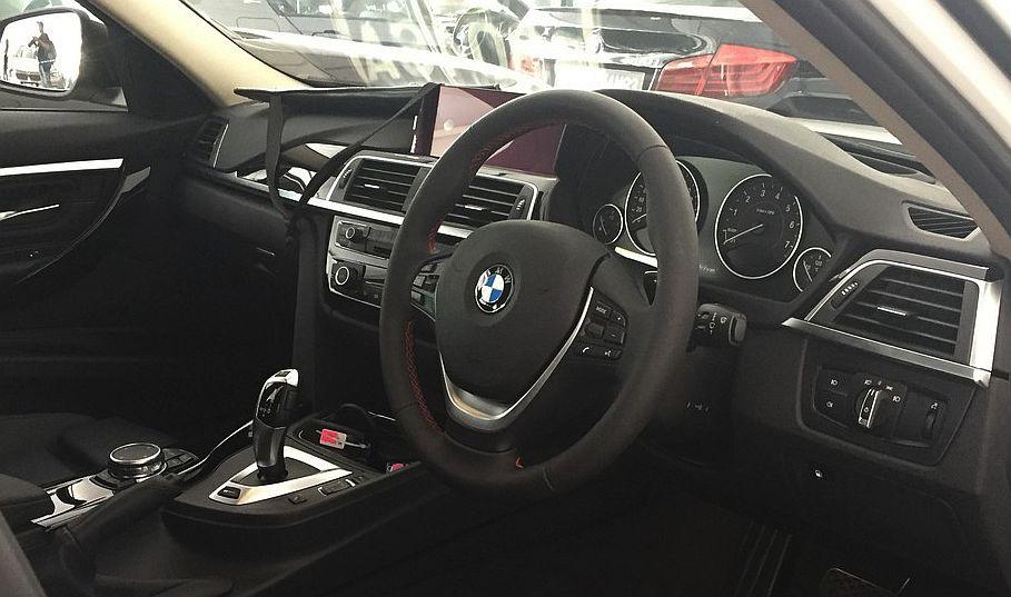 BMW 330e_Aug 2016_2 (16)