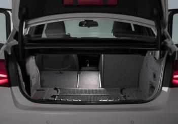 The new BMW 330e (10)