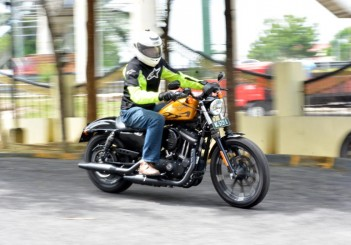 Harley-Davidson Iron 883 - 05