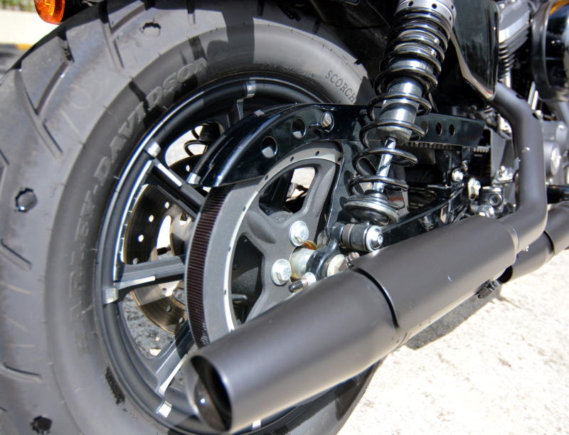 Harley-Davidson Iron 883 - 16