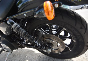 Harley-Davidson Iron 883 - 18