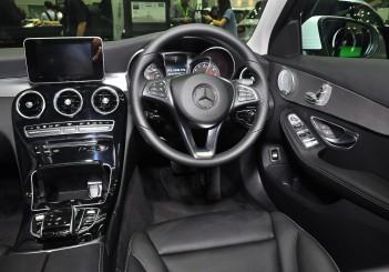 Mercedes Benz C 350e - 44