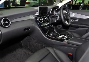 Mercedes Benz C 350e - 53