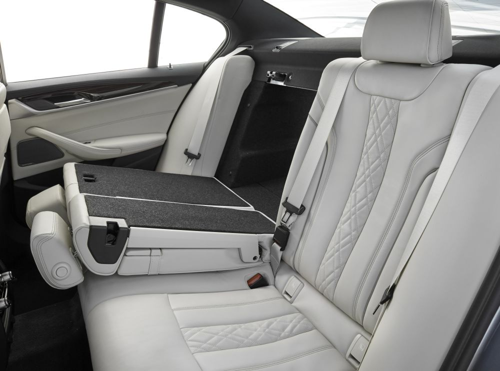 P90237267_highRes_the-new-bmw-5-series