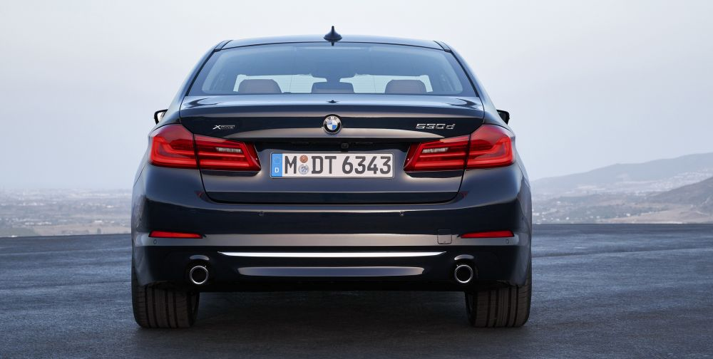 P90237305_highRes_the-new-bmw-5-series