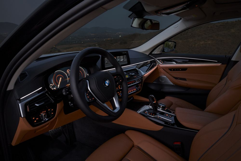 P90237327_highRes_the-new-bmw-5-series