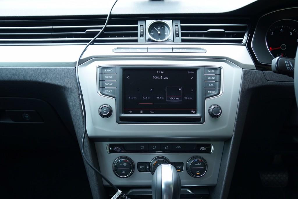2016 VW Passat Comfortline3