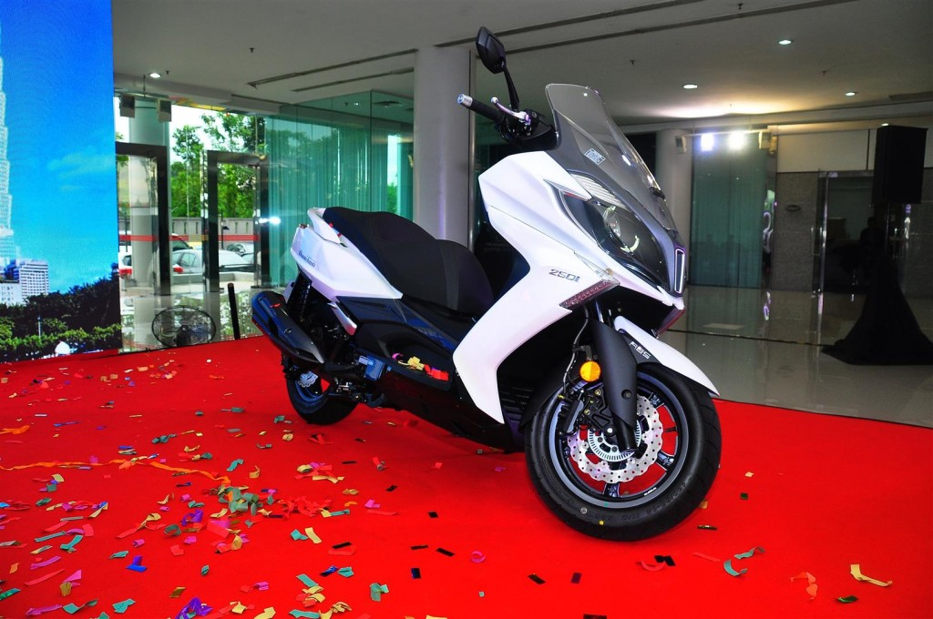 New MODENAS Karisma, Elegan And Kymco Downtown Scooters