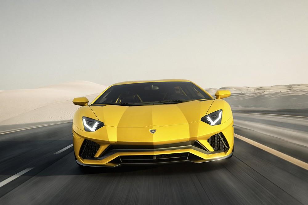 Lamborghini Aventador S_2016 (2)