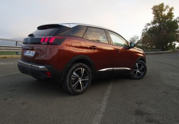 Peugeot 3008 Drive_Oct 2016_Bologna_Italy (130)