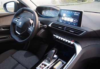 Peugeot 3008 Drive_Oct 2016_Bologna_Italy (151)