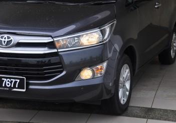 Toyota Innova 2.0G - 12