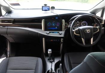 Toyota Innova 2.0G - 19