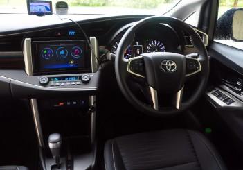Toyota Innova 2.0G - 21