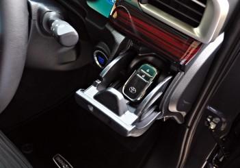 Toyota Innova 2.0G - 28