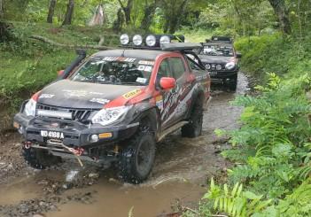 Mitsubishi Triton Borneo Safari (2016) - 07