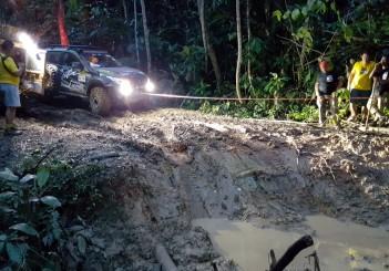 Mitsubishi Triton Borneo Safari (2016) - 13
