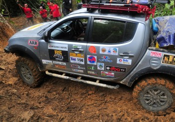 Mitsubishi Triton Borneo Safari (2016) - 49
