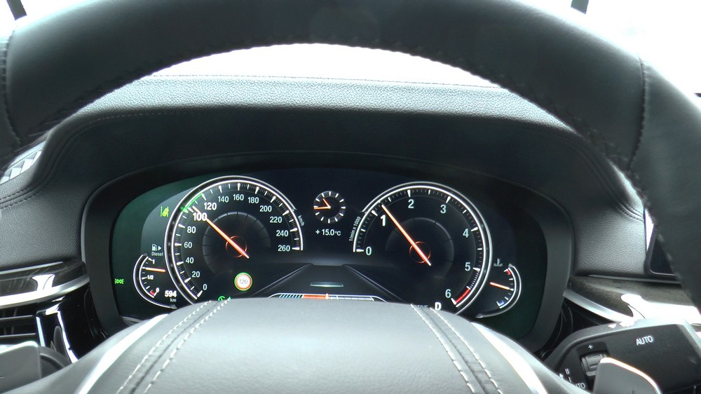 BMW5Series_HUD_02