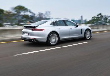Porsche Panamera 4S - 07