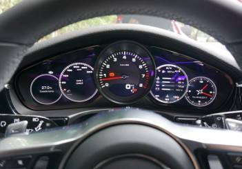 Porsche Panamera 4S - 08