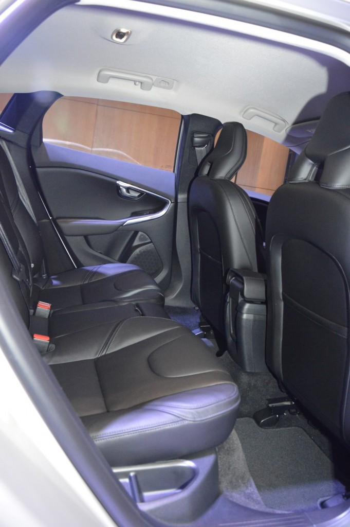 Carsifu 2017 Volvo V40 T5 Inscription (10)