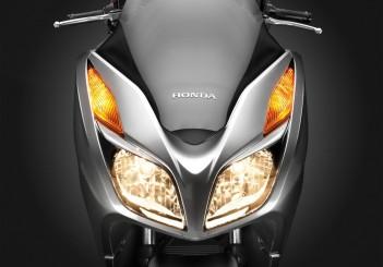Honda NSS300 - 04
