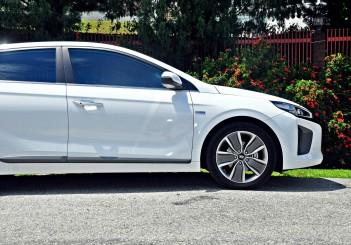 Hyundai Ioniq HEV Plus - 09