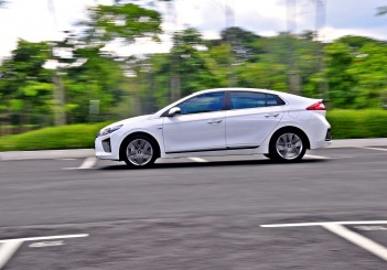 Hyundai Ioniq HEV Plus - 104
