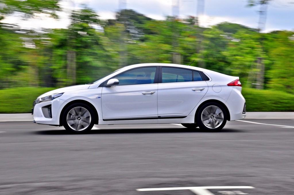 Hyundai Ioniq HEV Plus - 107