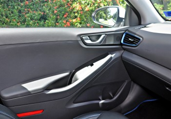 Hyundai Ioniq HEV Plus - 61
