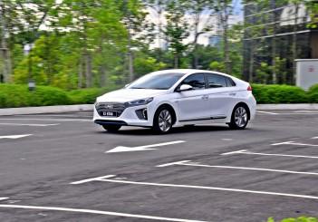 Hyundai Ioniq HEV Plus - 99