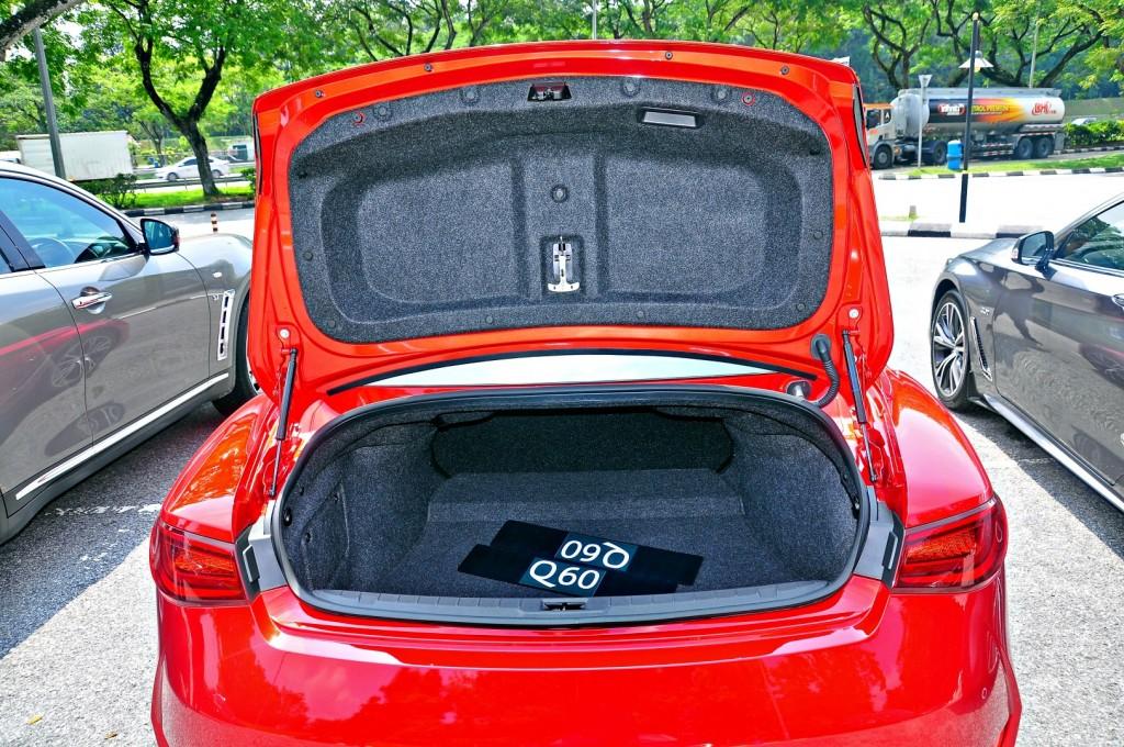 Infiniti Q60 coupe - 36