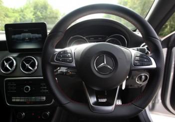Mercedes-Benz CLA 200 coupe (1)