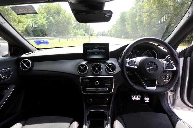 Mercedes-Benz CLA 200 coupe (19)