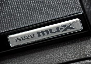Isuzu mu-X Type-S - 60