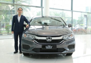 01_1 Mr. Wilson Wong, the very first customer in Southeast Asia to own the New City Sport Hybrid i-DCD_1