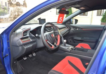 Carsifu 2017 Honda Civic Type R  (20)