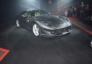 Carsifu 812 Superfast (2)