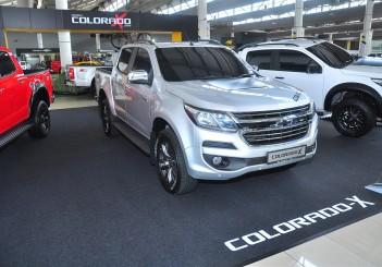 Chevrolet Colorado X - 01