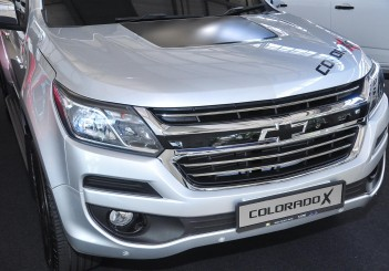 Chevrolet Colorado X - 05